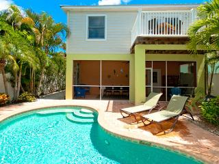 LimeMariaVille: 3BR Family-Friendly Pool Home, Holmes Beach