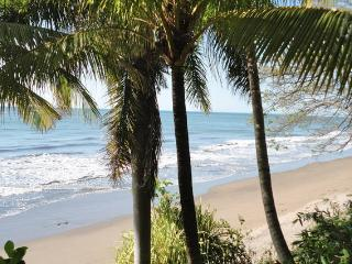 Spectacular Beachfront House with View, Masachapa