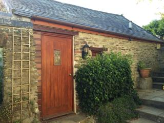 Cosy Rural Self Contained Cottage & Sunny Garden, Barnstaple