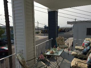 Dave's Wildwood Reef Apts, 2nd Floor, 1 BR, 1 Bath