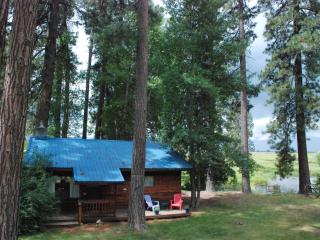 Tecumseh Spring Rentals - The Cabin, Crater Lake