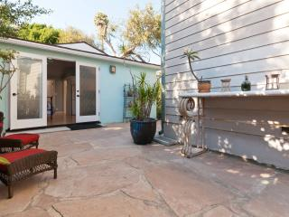 Private Venice Beach Cottage - LAX & Santa Monica