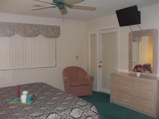 Large Flat Screen TV'S in Both Bedrooms