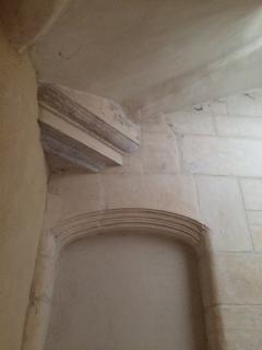 Détail de l escalier en pierre.