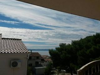 Apartment Vooky 8 for 6 with sea view, Makarska