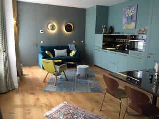 Luxury Apt. Le Marais-Pompidou. 2BR/2BA. A/C