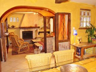 Le salon type marrocain aux couleurs du désert- Warm colors for the Moroccan style sitting room