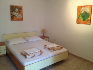 "Apartment ""Ela"", Guest house ""Sidro"", Selce"
