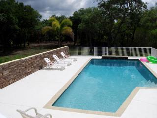 Family friendly Coastal Manor of Sarasota
