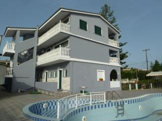 Amaryllis studios, Ammoudi