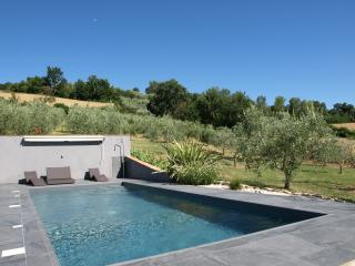 Trendy house with pool in a peaceful location, Monte Castello di Vibio