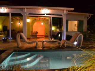 Villa charmante avec piscine chauffée privée, Le Tampon