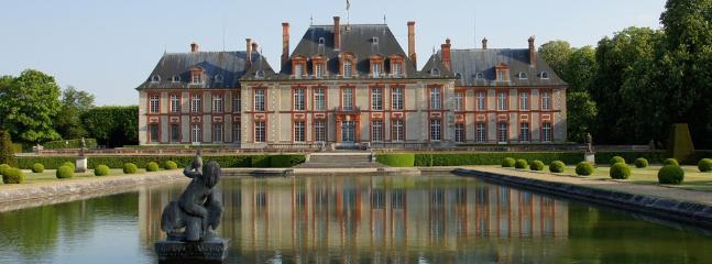 Chateau Dampierre 15 min by car
