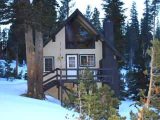 Ski-in/out Slope side cabin - Chalet #19, Mammoth Lakes
