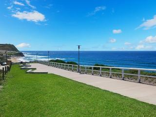 Ella's at Merewether Beach - Affordable Indulgence, Newcastle
