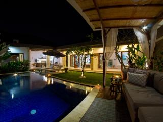 FREE CHEF - Umalas Retreat 5, (3 bed villa), Seminyak