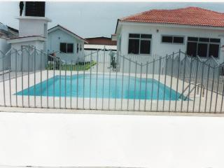 Executive furnished 3 bedroom villa with pool, Acra
