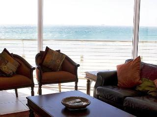 Seaview Penthouse Apartment 208