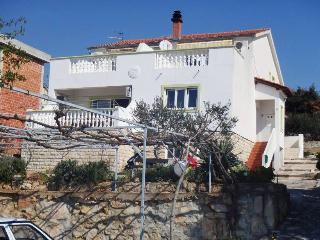 Horvat Apartment C in Jezera next to Tisno