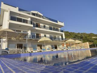 Falcon Exclusive Villa: utter luxury, sleeps 18!, Kalkan