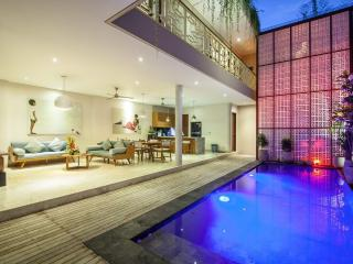 Family 3 bedrooms Villa Legian