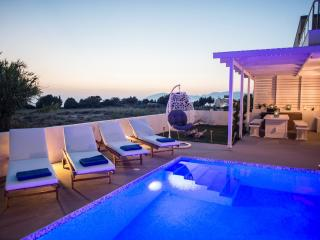 Seabreeze villa Kos beachfront with swimming pool