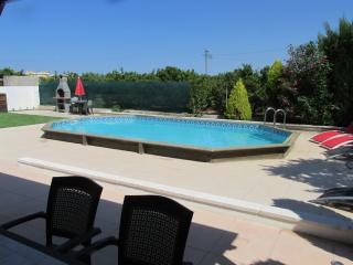 4 bedroom traditional Spanish Casita with pool, Oliva