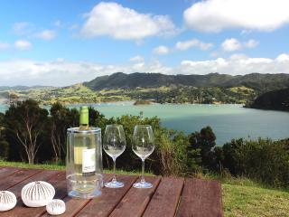 Modern, Sunny and Peaceful Villa Ohakiri; seaviews, Whangaroa
