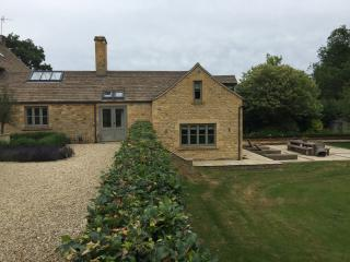 Luxury Interior Designed Cotswold House, Moreton-in-Marsh