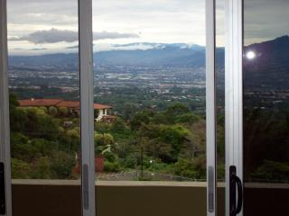 luxery with million dollar view-free airport trans, Alajuela