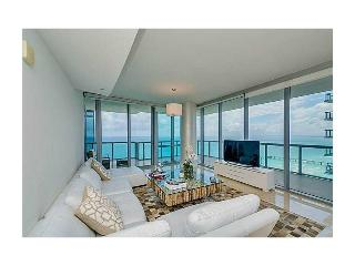 OCEANFRONT SUNNY ISLES HUGE 3 BED, Sunny Isles Beach