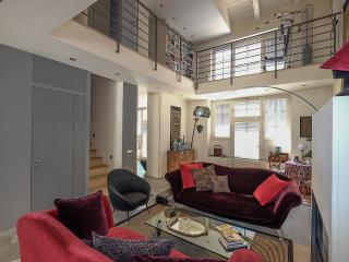 Superb Loft at walking distance from city centre, Milan