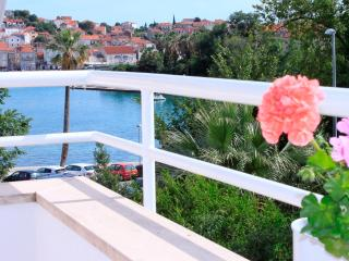 4****Trogir Center Holiday Apartment - Dolce Casa