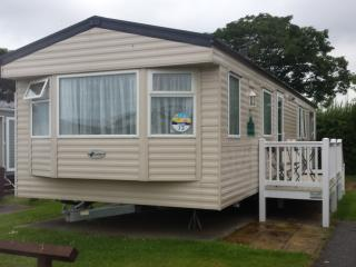Caister On Sea, Gt Yarmouth, Deluxe / decked 3 Bed, Great Yarmouth