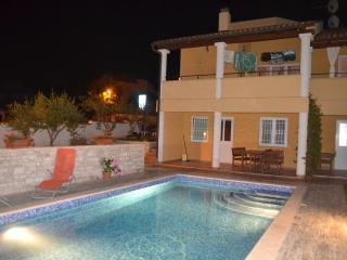 Luxury apt with pool for 4 - view NP Brijuni, Pula