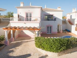 Luxury 3 bed villa with private pool, Budens