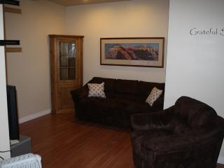 Beautiful Lake View Sleeps 4, Kelowna
