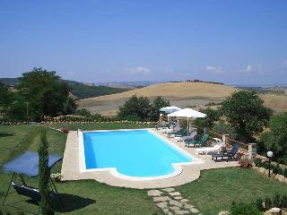 This nice property is perfect to host 14 people and features an outdoor swimming