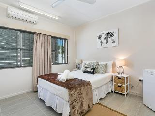 Inner City Executive Rooms - Room 1 - Share House Accommodation