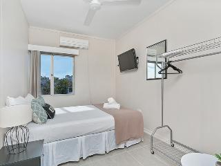 Inner City Executive Rooms - Room 5 - Share Accommodation Property, Cairns