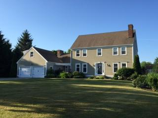 NEW LISTING - NEWLY renovated and decorated, Middletown