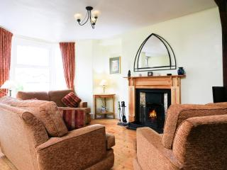 Jasmine Cottage - Bowness cosy spacious central quiet cottage