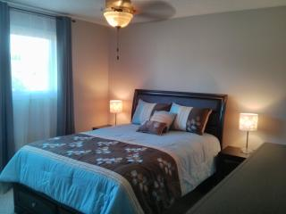 Kelowna Blue Guest Suite - self contained in house