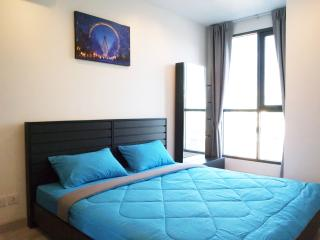 King Size Bed with Comfortable Linen