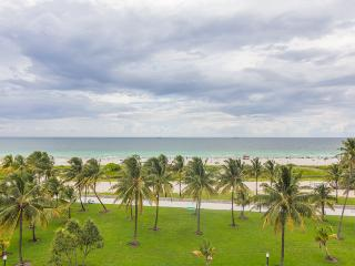 Great Deal~ Magnificent 3 BR Two Story Townhouse On Ocean Drive W/Amazing Views