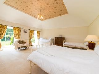 Kits room - lovely south facing bedroom, great for a kids get together, double and three singles