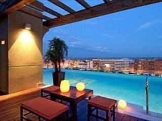 Spectacular ground floor seafront apartment