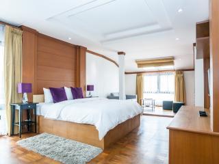 Dasiri Downtown Residence Unit 1 - newly renovated, Bangkok