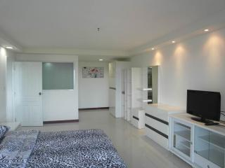 1 bedroom condo 15 floor sea view Angket F15 R1515, Pattaya