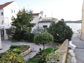Maraca Apartment A in Tisno